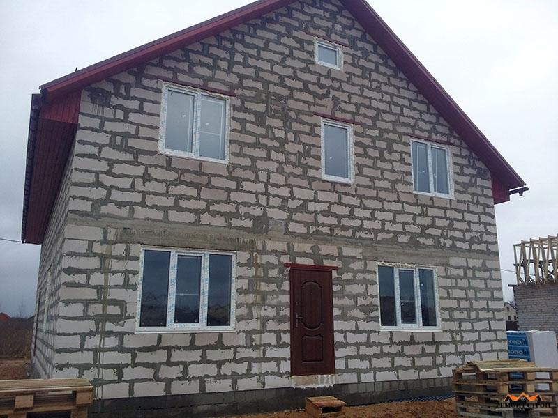 Дачный дом из пеноблоков