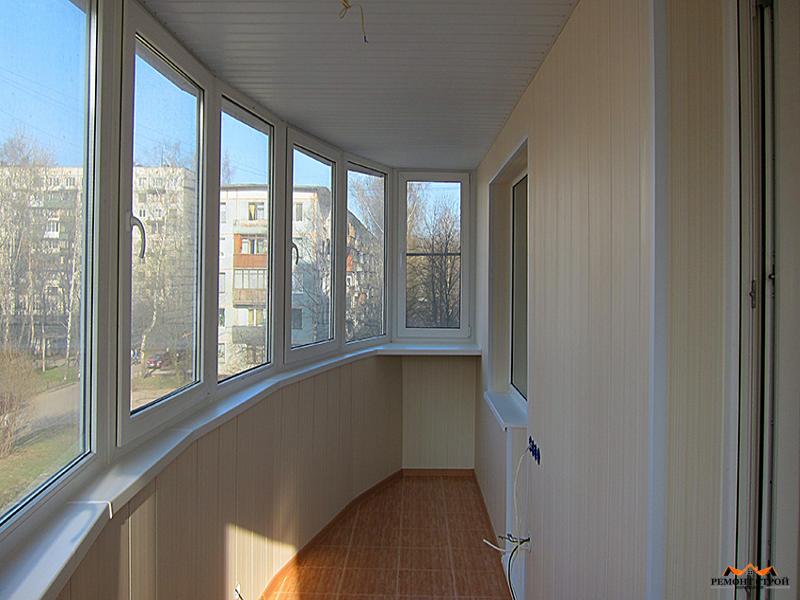 Отделка панелями балкона